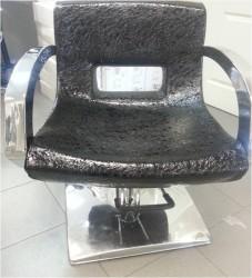 A130#94 Кресло парикмахерское, черный лаковый текс