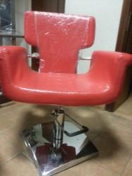 A01#91 Кресло парикмахерское, красный лаковый текс