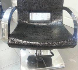 Кресло парикмахерское (черное, лаковое)